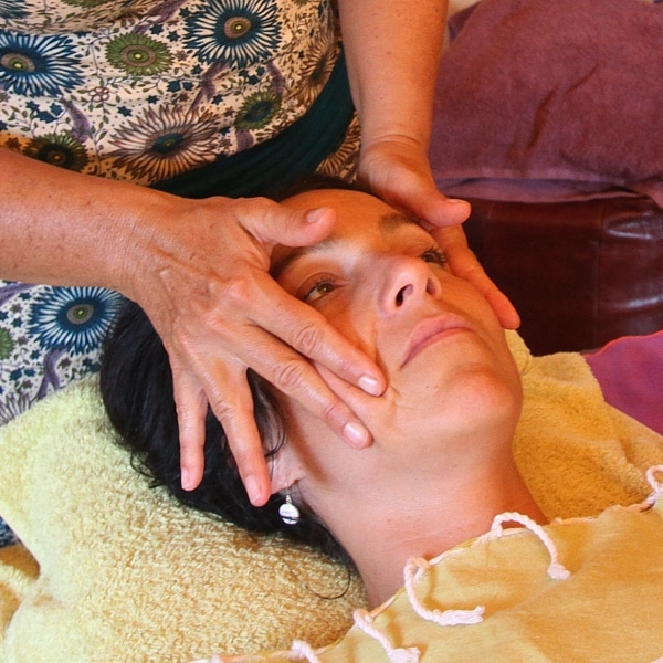 Massage Myo Facial : un soin du visage anti-âge